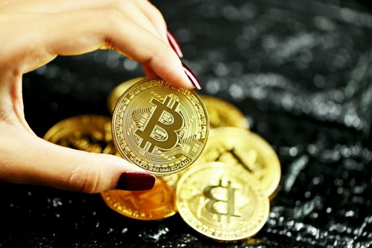 Should You Buy Real Bitcoin or Certificates (CFDs)?